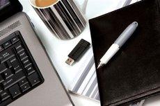 USB  8GB Speicher Drive Stecker USB2.0 Verbatim Stripe black